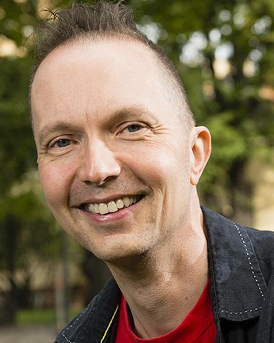 Keynotepuhuja Kimmo Vehkalahti