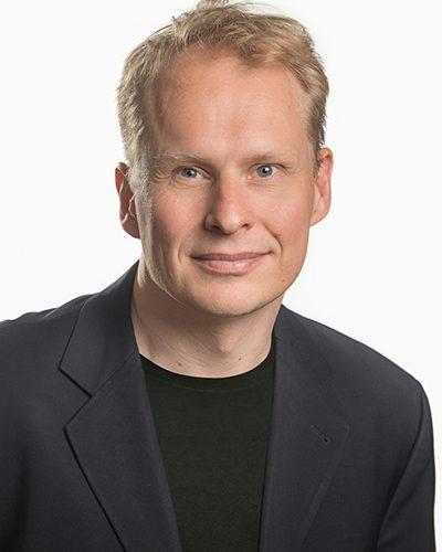 Kari Vitikainen - keynotepuhuja, puhuja, juontaja, moderaattori tapahtumaan.