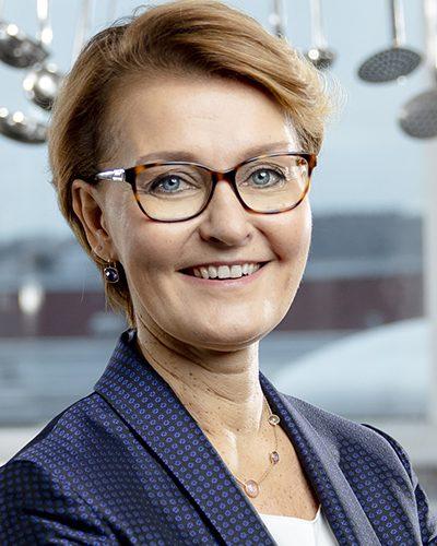 Heli Arantola - keynotepuhuja, puhuja, juontaja, moderaattori tapahtumaan.